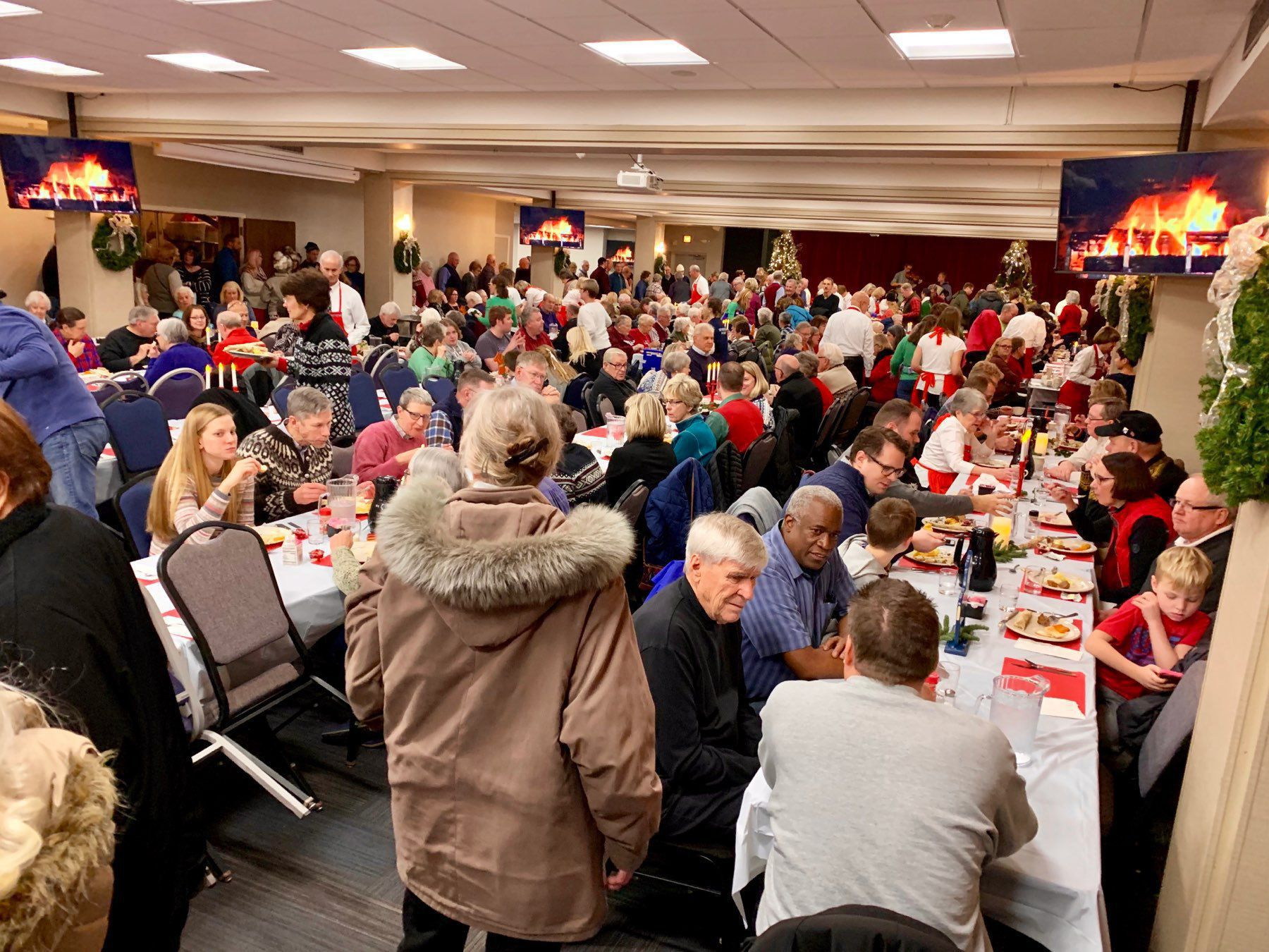Big Crowd for the Lutefisk Dinner